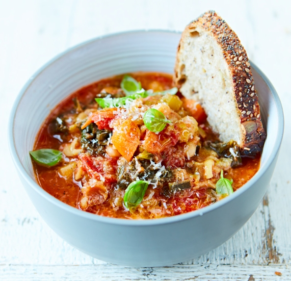 s_Minestrone soup